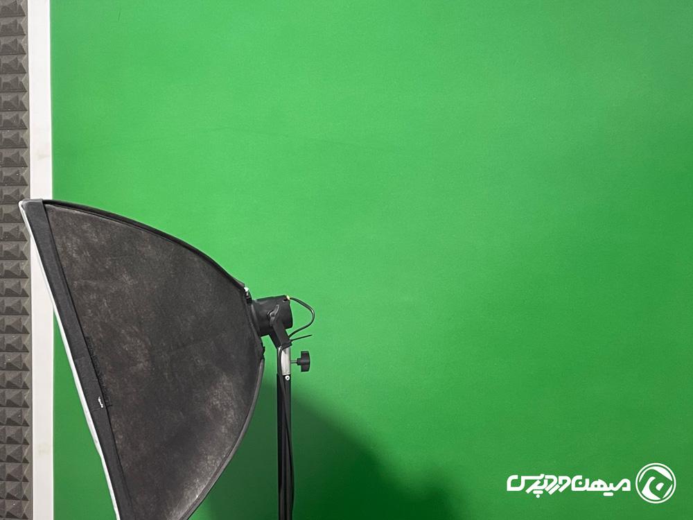 تولید محتوای ویدیویی با پرده سبز